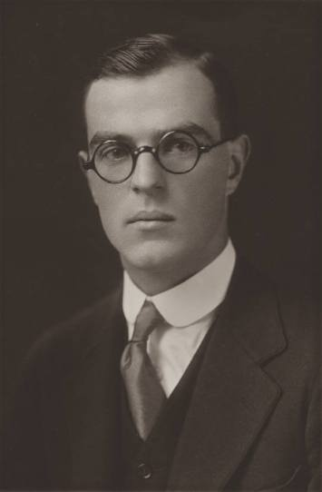 Thornton_Wilder_Yale_graduation_photo_1920.jpg